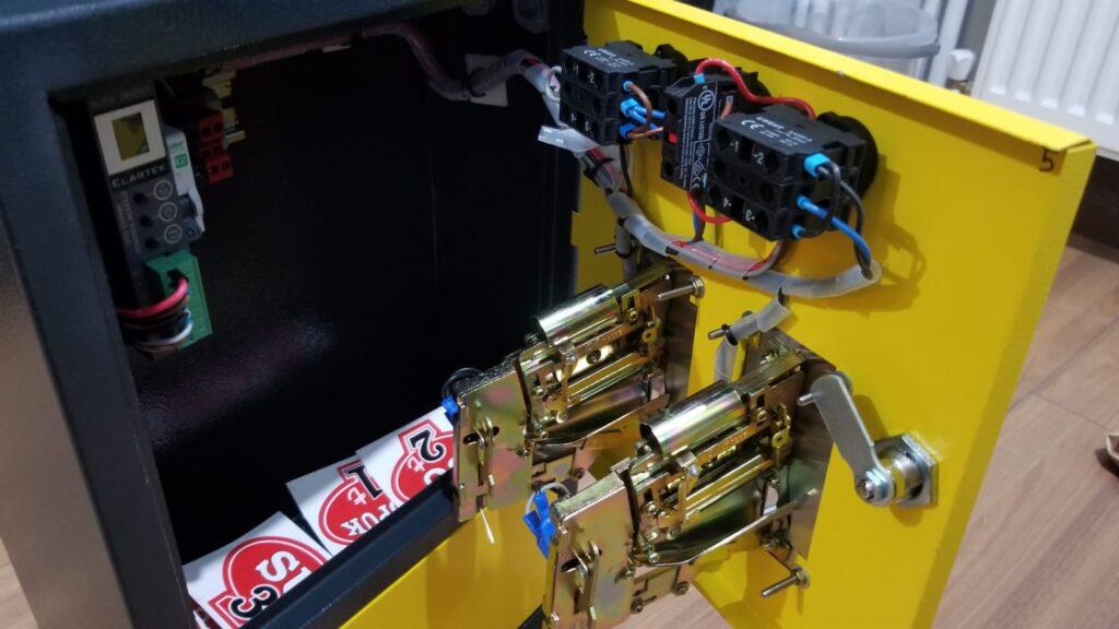 parali kontrol panosu 1024x576 - Paralı Yıkama Makinesi Panosu